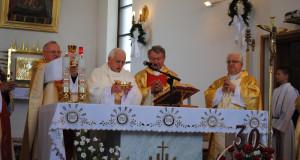 Foto-relacja z uroczystości 40-lecia święceń kapłańskich i 30-lecia pracy duszpasterskiej ks. Jana Czai